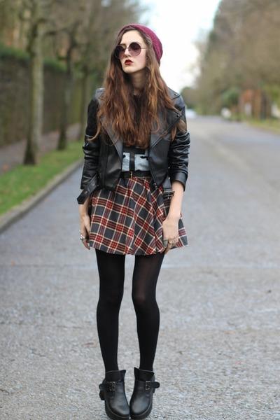 gigi-vintage-t-shirt-plaid-choies-skirt_400